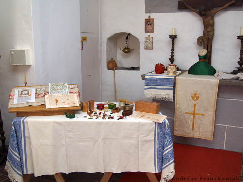 Display in der Marienstiftskirche in Lich, 2011